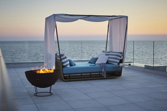 PORTOFINO day bed with canopy